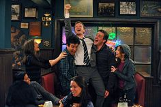 How I Met Your Mother: Ted Mosby, Marshall Eriksen, Lily Aldrin, Robin Shrebatsky and Barney -wait for it- Stinson How I Met Your Mother, I Meet You, Told You So, Marshall Eriksen, Ted Mosby, Mother Photos, Film Serie, You Funny, New York