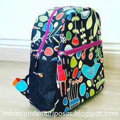 ¿Queréis coser una mochila?         El peque me pidió una mochila nueva - y con razón, ya que la que tenía estaba destrozada. Sewing Patterns Free, Free Pattern, Bag Patterns, Diy Purse, Rucksack Backpack, Vera Bradley Backpack, Couture, Kate Middleton, Craft