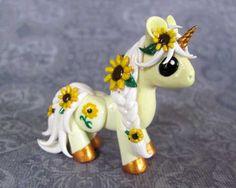 Licorne en pâte polymère ou porcelaine froide; unicorn; polymer fimo