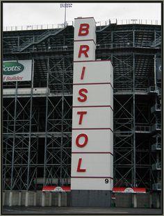 Bristol Motor Speedway . Bristol TN