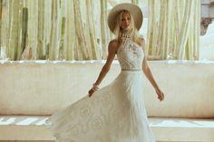 Bohemian Wedding Dresses, Boho Bride, Wedding Dress Styles, Designer Wedding Dresses, Chic Wedding, Bridal Dresses, Bohemian Weddings, Wedding Ideas, Green Wedding
