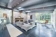 Mid-Century Modern by Flavin Architects