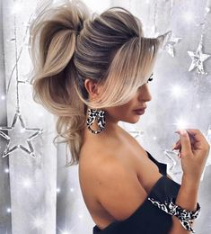 24 Chic Hairstyles for Prom to Let You Be Amazing 24 Chic Hairstyles for Prom to Let You Be Amazing Valentina Pill valentinapill Frisuren Puffed Ponytail Hairstyles puffedhair blondehair ★ […] Wedding hairstyles Long Face Hairstyles, Chic Hairstyles, Bride Hairstyles, Amazing Hairstyles, Pretty Hairstyles, Hairstyles For Long Hair Prom, Beach Wedding Hairstyles, Layered Hairstyles, Braids For Long Hair