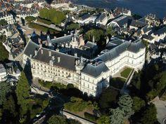 Royal Chateau de Blois   Shelter King of France