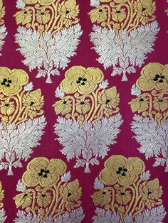'Poppies' - Brocade, silk and metal-wrapped thread, Benares, 19th century (ca. 1855) - V&A 0825 (IS)