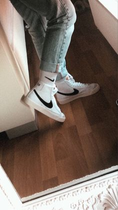 Jordan Shoes Girls, Girls Shoes, Nike Blazers Outfit, Mode Converse, Sneakers Fashion, Fashion Shoes, Swag Shoes, Jugend Mode Outfits, Aesthetic Shoes