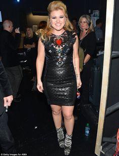 Worst Dressed of American Music Awards 2012 - #KellyClarkson