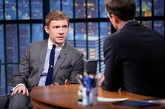 Martin Freeman on Late Night with Seth Meyers in the USA promoting the 3rd Hobbit film. Wearing bespoke MP suit and round tab collar shirt.  #Mensfashion #Menstyle #Tailoring #Bespoke #Dapper #Martinfreeman #Sethmeyers #lateshow #TheHobbit