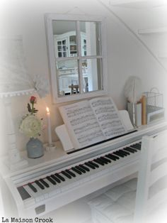 white piano / witte piano