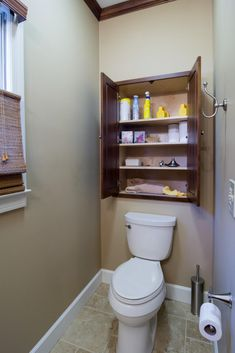 Bathroom Storage Ideas – Just check out these simple ideas we threw together. Below are 35 best bathroom storage ideas to keep your bathroom organized and looking great. Small Space Bathroom, Bathroom Design Small, Simple Bathroom, Bathroom Interior Design, Small Bathrooms, Small Spaces, Modern Bathroom, Industrial Bathroom, Bathroom Designs
