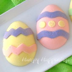 Hungry Happenings: How to Paint Cheesecake Easter Eggs plus an Easter Extravaganza Easter Egg Moulds, Making Easter Eggs, Egg Molds, Easter Cookies, Easter Treats, Candied Carrots, Homemade Desserts, Delicious Desserts, Dessert Recipes