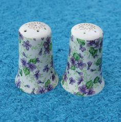 Vintage Violet Pattern Lefton China Salt and by LynnsBeadsNThings Salt Pepper Shakers, Salt And Pepper, Grain Of Salt, Purple Love, China Jewelry, Vintage Patterns, Violets, Buy And Sell, Hand Painted