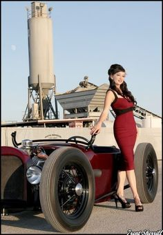 Want a dress and car like that <3
