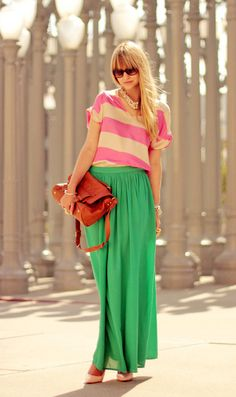 Love this colour combo! Apple green maxi skirt with blush shoes, a beige and pink striped top and warm brown bag.