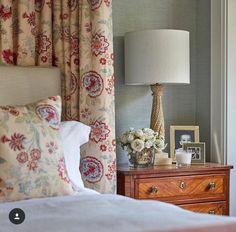 Home Interior Cuadros .Home Interior Cuadros Hotel Bedroom Decor, Cosy Bedroom, Master Bedroom, Craftsman Home Interiors, Cottage Interiors, Quirky Home Decor, Cheap Home Decor, Cosy Cottage, Guest Bedrooms