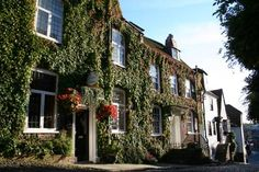 Jeakes House Rye Featuring free WiFi throughout the property, Jeakes House offers pet-friendly accommodation in Rye, 44 km from Canterbury. Guests can enjoy the on-site bar.  Every room has a flat-screen TV. You will find a kettle in the room.