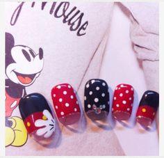 Mickey mouse nail <3