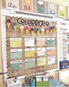 The best classroom setup ideas to get your class ready for back to school inlcluding ideas for a teacher toolbox plus, find out how to get free classroom printables. Elementary Classroom Themes, Kindergarten Classroom Decor, Modern Classroom, 3rd Grade Classroom, New Classroom, Classroom Design, Themes For Classrooms, Classroom Decor Themes, Toddler Classroom Decorations