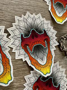 Goth Tattoo, Tattoo Art, Body Art Tattoos, Skull Tattoo Design, Skull Design, Neo Traditional Art, Rockabilly Tattoos, Old School Tattoo Designs, Knee Tattoo