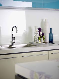 Splashback Metaline Diamond Ice. Styling Wendy Bannister. Photography Earl Carter.