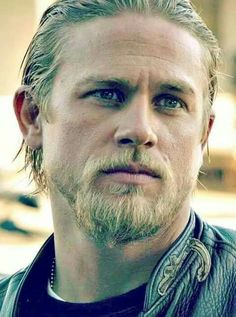 Charlie Hunnam - That face can take my breath away.