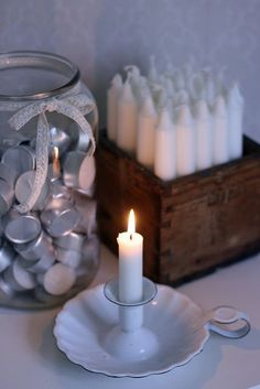 Box to display candles and jar to store tea lights. Pretty and practical. Deco Boheme Chic, Vibeke Design, Candle In The Wind, Candle Lanterns, Old Wood, Wood Boxes, Hygge, Candlesticks, Tea Lights