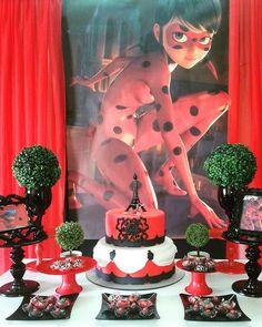 Um tema muito inusitado, mas muito lindo. Depois de tudo feito a gente sempre se surpreende, né? Ladybug para Rita, na Escola. #festamiraculous #festanaescola #festaladybug #papelartelimoeiro