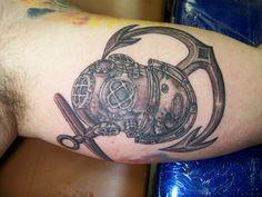 dive helmet & anchor