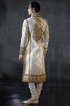Couture - Tarun Tahiliani Tarun Tahiliani-and men's fashion. Indian Men Fashion, African Fashion, Mens Fashion, Gothic Fashion, Sherwani, Komplette Outfits, Cool Outfits, Indian Groom Wear, Tarun Tahiliani