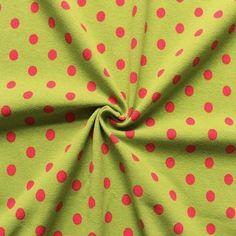 """Da kommt gute Laune auf grüner #Jerseystoff mit roten Punkten. Euer #Herz für """"Must-Have"""""""