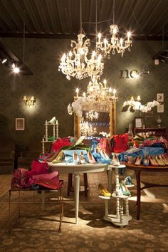 STYLING AND PRESS RELATIONS FOR CONCEPT FASHION STORE (may) by KING GEORGE mad creative content and PR Agency