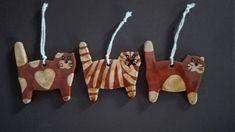 """11 tykkäystä, 2 kommenttia - Krisztina Samu (@rokaskisasszonykeramia) Instagramissa: """"Cat ornaments for Christmas #cat #ornament #ceramicsart #ceramic #christmas #cute #kittens #catlove…"""""""