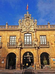 """Hotel de La Reconquista, sede de la entrega de los premios internacionales """"Principe de Asturias"""" (A partir del 2015 serán """"Princesa de Asturias""""). Oviedo, Principado de Asturias. Spain.     [By Valentin Enrique]."""