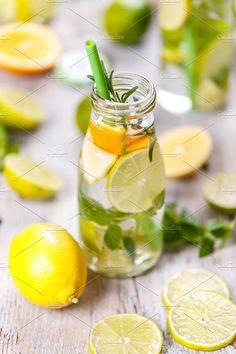 Detox Juice Cleanse Recipes & Detox Drinks For Weight Loss Juice Cleanse Recipes, Detox Juice Cleanse, Detox Recipes, Detox Drinks, Detox Smoothies, Yummy Recipes, Liver Detox Diet, Detox Diet Plan, Diet