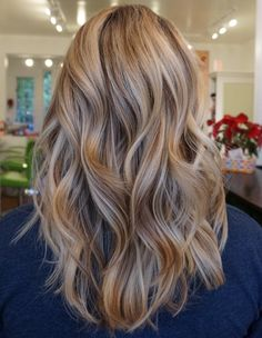 Balayage/ Long brown hair with caramel and blonde highlights Long Layered Hair, Long Hair Cuts, Hair Day, New Hair, Hair Color And Cut, Balayage Hair, Haircolor, Gorgeous Hair, Beautiful