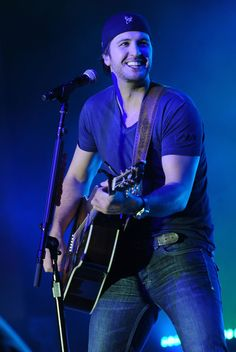 Luke Bryan Photos - 2011 Country Radio Seminar - Capitol Records Lunch And Performance - Zimbio