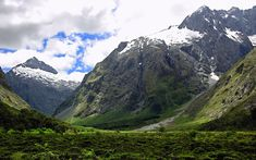 Are you making plans to visit New Zealand? Are you searching for a cheap flights to new zealand? It is a good idea to visit New Zealand. It is the most beautiful country of the world blessed with u… Visit New Zealand, New Zealand Travel, Mountain Wallpaper, Nature Wallpaper, Hd Wallpaper, Landscape Wallpaper, Forest Wallpaper, Auckland, The Places Youll Go