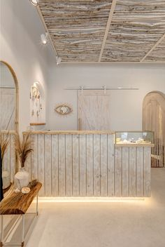 retail store architecture scandinavian and rustic mediterranean boho and natur Store Decor, Coffee Shop Decor, Store Interiors, Cafe Interior Design, Store Design Interior, Salon Decor, Shop Interiors, Cafe Design, Spa Interior Design