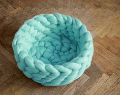 follow-the-colours-knit-pet-beds-anna-mo (4)