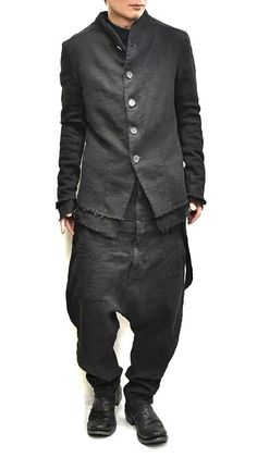 Dystopian Fashion, Cyberpunk Fashion, Urban Fashion, Mens Fashion, Rare Clothing, Waistcoat Men, Mens Fall, All Black Outfit, Men's Wardrobe