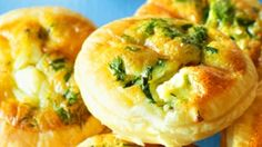 DELICIOUS APPETIZER RECIPE: MINI QUICHE FILLED WITH BRIE & CRANBERRY SAUCE