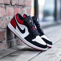 Air Jordan Shoes, Jordan Nike, Jordan 1 Low, Jordan Red, Zoom Iphone, Iphone 5c, Zapatillas Nike Air, Hype Shoes, Kd Shoes