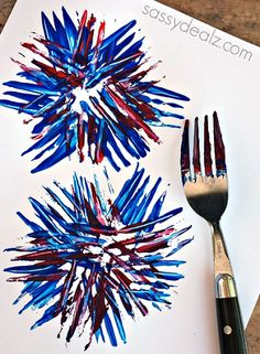 Kids Fireworks Craft Using a Fork - Fun art project for the 4th of July or Memorial Day! #kidscraft #preschool