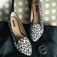 Leopard Pointed Flats Love these beauties! You could wear them with jeans and a white tee or dressed up! Definitely not your average leopard design!   Condition: New! Size: True to size.   X No Paypal X No Trades X No Holds X Non Smoking X No Pets Forever 21 Shoes Flats & Loafers