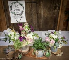Classic wild garden flower designs are so 'Natural' in stone barn wedding venues like Cripps Barn. The Wilde Bunch styling with hessian, wood slices and sweet-peas for Boho/Natural themed weddings. Cripps Barn Wedding, Barn Wedding Venue, Barn Wedding Flowers, Stone Barns, Themed Weddings, Sweet Peas, Hessian, Wood Slices, Flower Designs