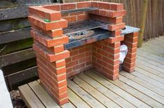 Backyard barbecue is a great feature to add to your garden or backyard. It's so relaxing to gather with your friends and family in the backyard, enjoy a piece of bbq beef or grab a glass of beer and enjoy the time.