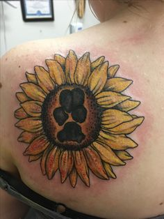 I love the uniqueness of this....a combo of sunflowers and ...