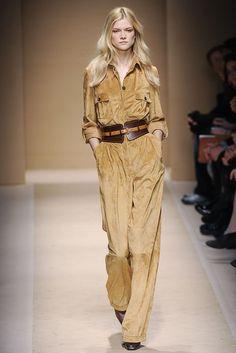 Salvatore Ferragamo - Fall 2010 Ready-to-Wear - Look 9 of 43