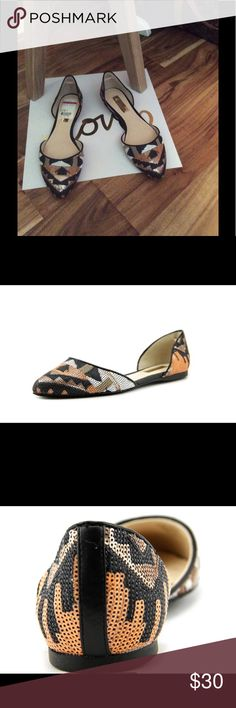 """🔸NEW🔸I.N.C. Sequin Flats 🔸NEW International Concepts Crescentre 6 Pointed Toe Canvas Flats. Heel height 0.25"""". Size 7.5 $30   🌸 Please ask all your questions before you purchase. I'm happy😊 to help  🌸 Sorry, no trades or hold. 🌸 Please, no lowball offers. 🌸 Please use the Offer Button 🌸 Bundle for your best prices 🌸 Ships next day, if possible 🎀 Thank you for visiting my closet 🎀 INC International Concepts Shoes Flats & Loafers"""