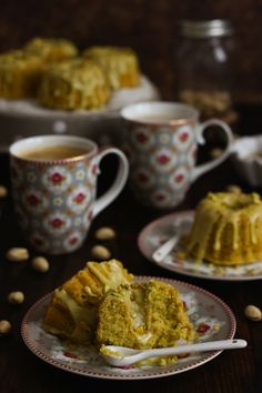 Mini bundt cake pistacho